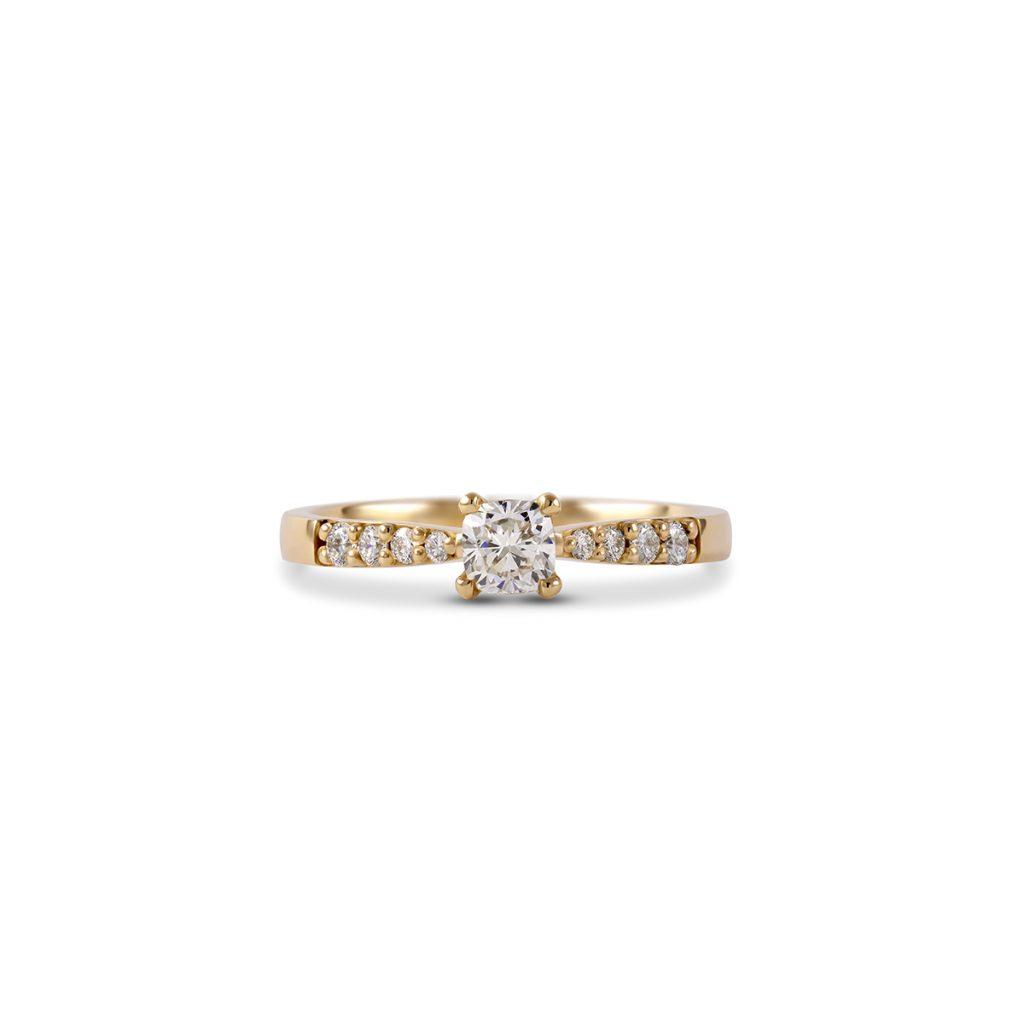 Diamantni zarocni prstan Petite Cushion rumeno zlato